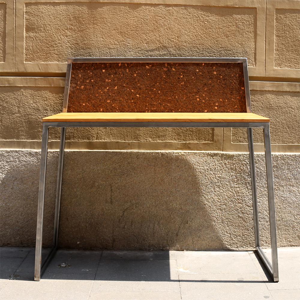 Glitch Desk