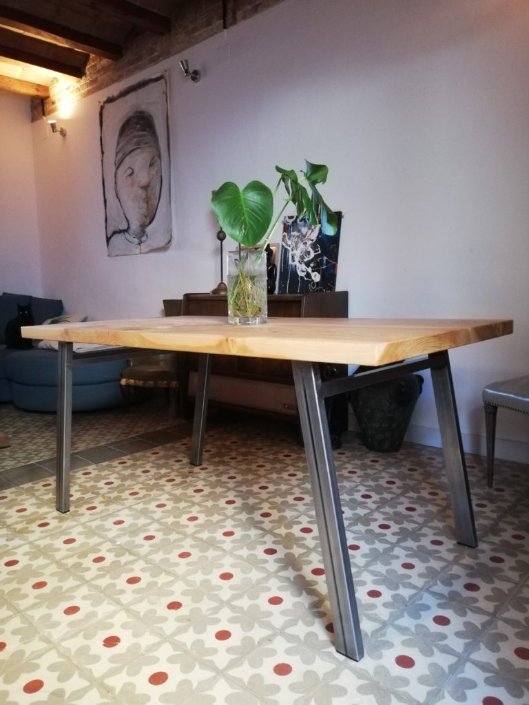 dining table ceder
